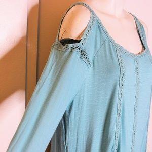 ❤️2/$25 Cute rxb crochet cold shoulder knit top L